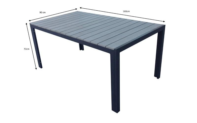 Tavolo in poliwood da esterni montato