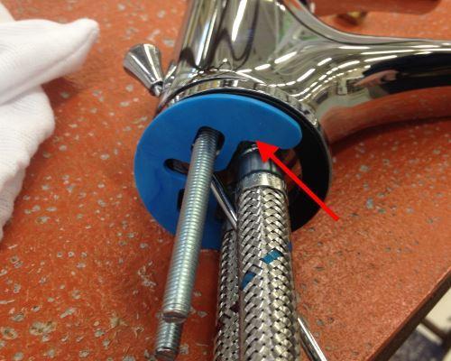 Montaggio rubinetto miscelatore: la guarnizione