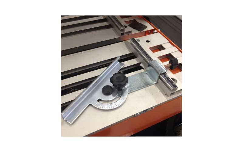 Guide di precisione per i tagli più difficili: una tagliapistrelle davvero professionale