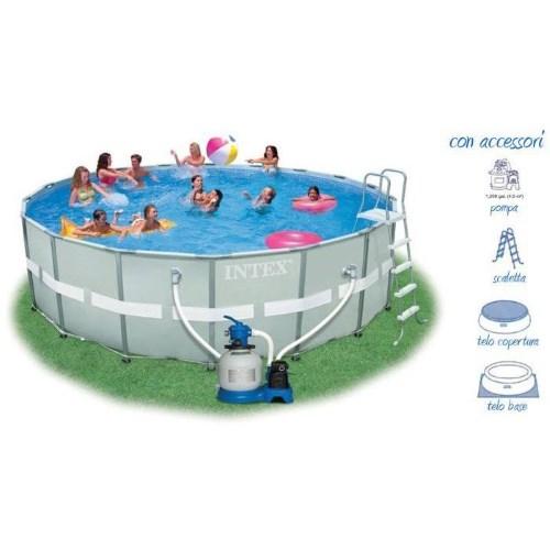 Foto della piscina ultra frame con lista di accessori