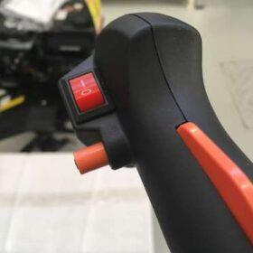 Mototrivella a scoppio AG52: Comandi ergonomici della trivella