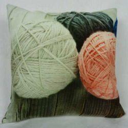 cuscino-decorato-gomitoli-di-lana