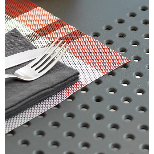 Particolare del tavolo Nardi, modello Libeccio colorazione antracite