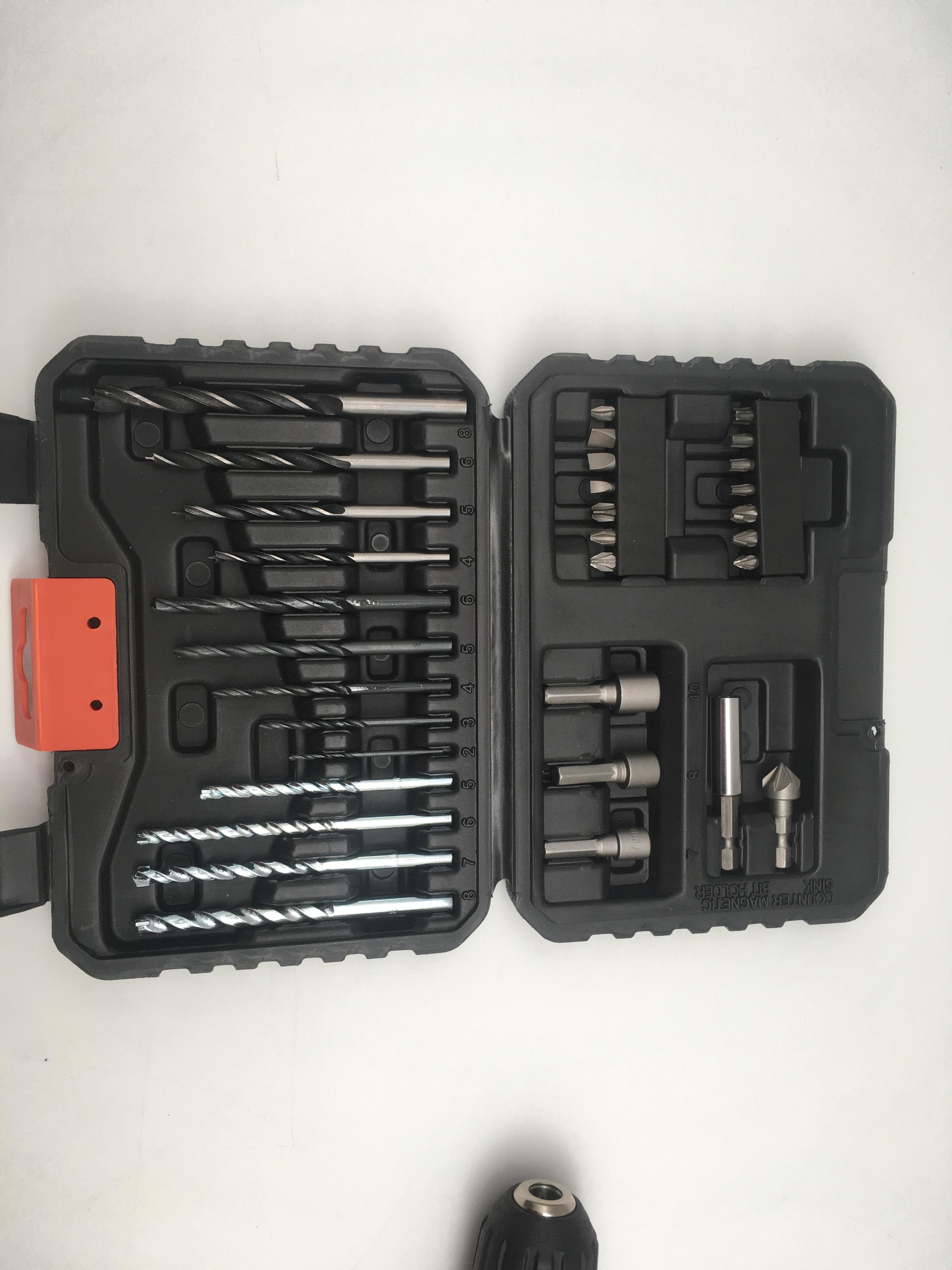 Black+Decker 18V EGBL188S32-QW: set di punte acciaio, legno, muratura e inserti