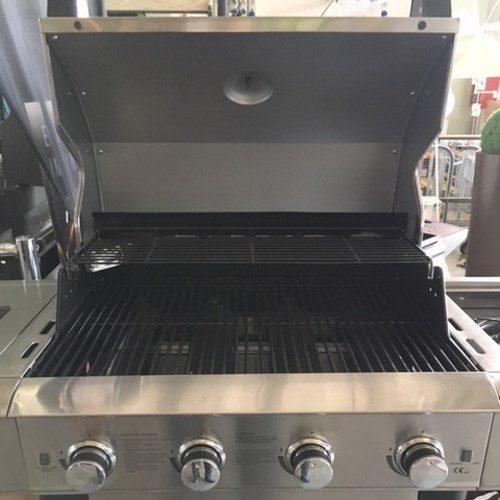 Vista frontale della griglia del barbecue Master Cook