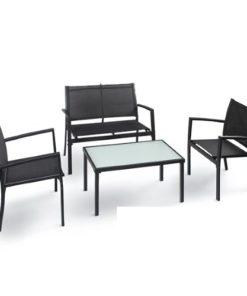 Salotto da esterno modello life composto da un divano, due poltrone e un tavolino