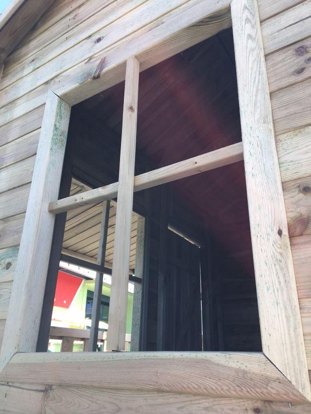 Dettaglio che riprendere i dettagli della finestra della Casetta Cottage