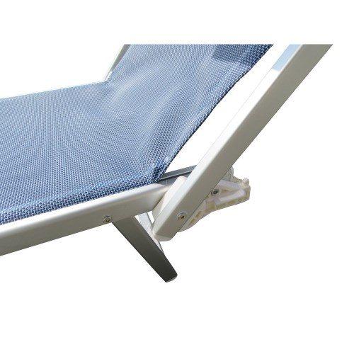 Dettaglio del gancio del lettino in textilene reclinabile